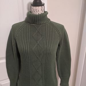 Beautiful green turtle neck sweater